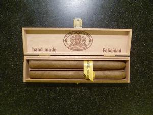 Van Der Donk Felicidad  2 sigaren
